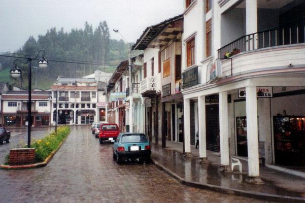 Front von Schmuckgeschäften (Joyerías) am Marktplatz zu Chordeleg