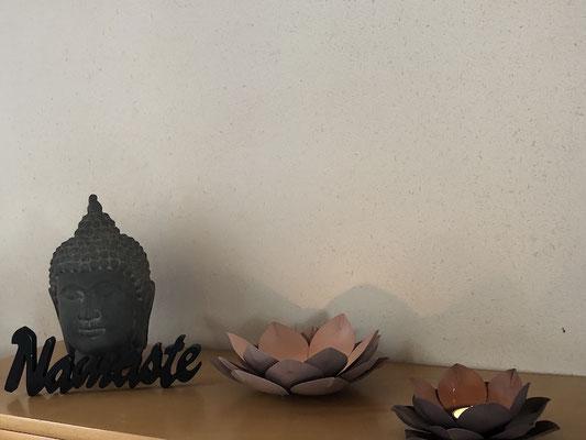 Buddha und Kerze