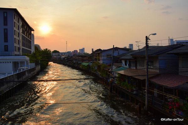 Longtailboote in Bangkok