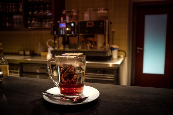 Ein Tee an der Bar vom Landhotel Hallnberg