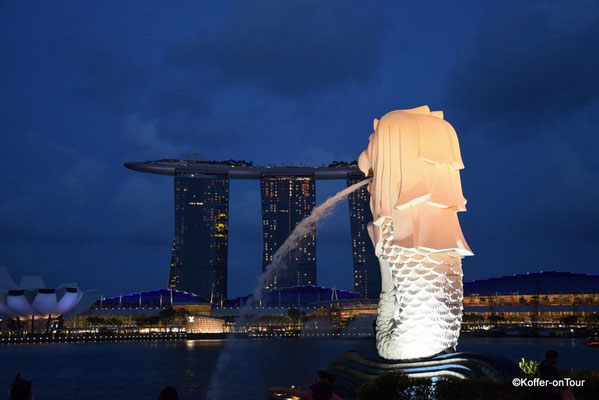 Merlion mit Blick zum Marina Bay Sands