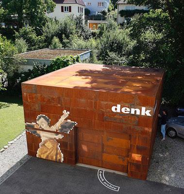"""Foto: D-Werk, """"Garagenansicht"""" nach der Renovierung"""