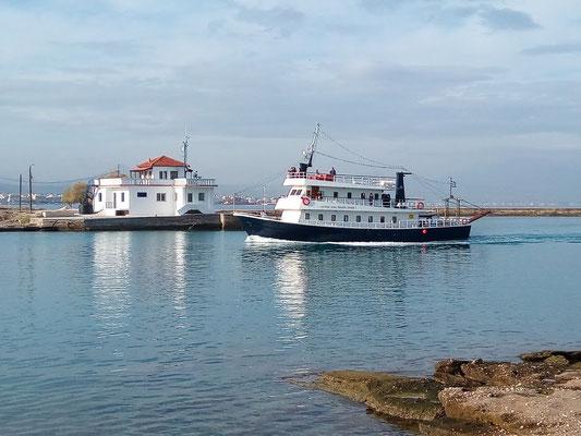 Kanal Ausflugsboot