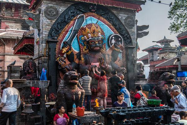 Kathmandu, Altstadt, Der Schwarze Bhairav