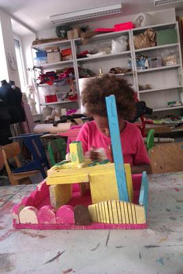 Das eigene kleine Traumhaus bauen und bemalen.