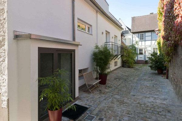 Ferienwohnung Eingang hinterm Haus Alte Bäckerei Heppenheim.