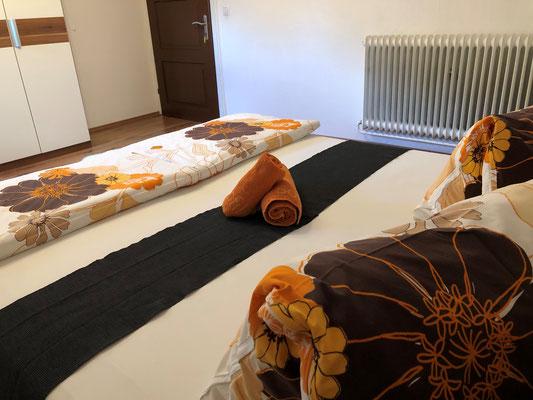 Appartement Ahorn Schlafzimmer 1