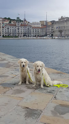 Mutter und Tochter in Italien