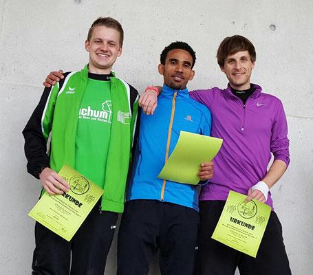 Sieger auf der Mittelstrecke und mit der Mannschaft: Yossief Tekle mit Felix Luckner und Simon Scherer