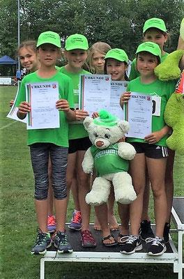 Das Team U12 mit Irene Eguizabal, Helene Horn, Felizitas Leopold, Marlene Gelhard, Anna Jäger, Nina Watzal, Magdalena Niederhofer und Pia Holand (nicht auf dem Bild).