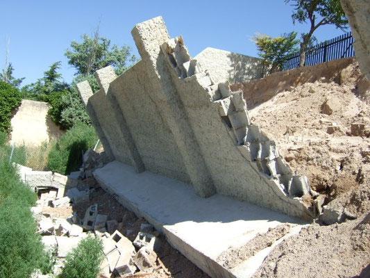Rotura de un muro de bloque de hormigón