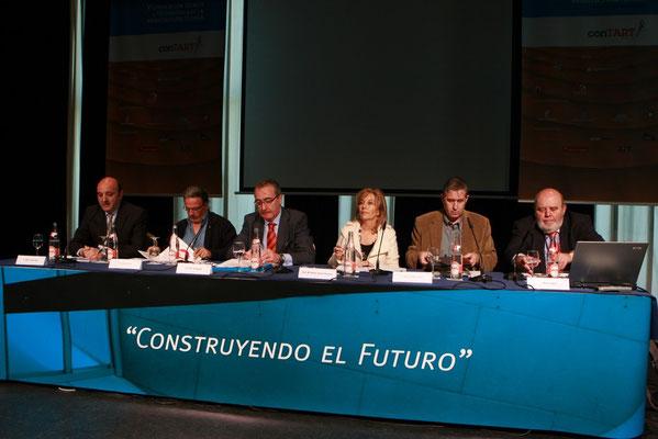 Moderador mesa redonda sobre empleo en Contart 2009