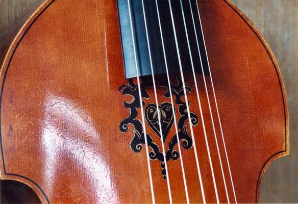 aufgemaltes Ornament nach dem Original - Violworks