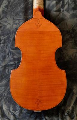 passendes Ornament auf dem Boden der Tenorgambe - Violworks