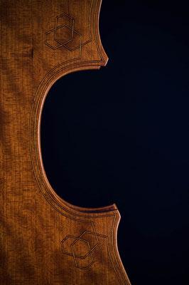Eckenornament auf Lironeboden - Violworks
