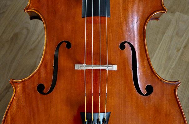 Schalllöcher vom Cello - Violworks