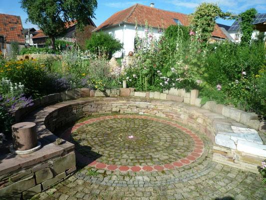Gartengestaltung Amphitheater, Bruchstein