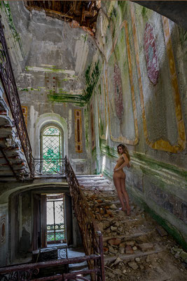 If tears could build a stairway (Villa Poss)