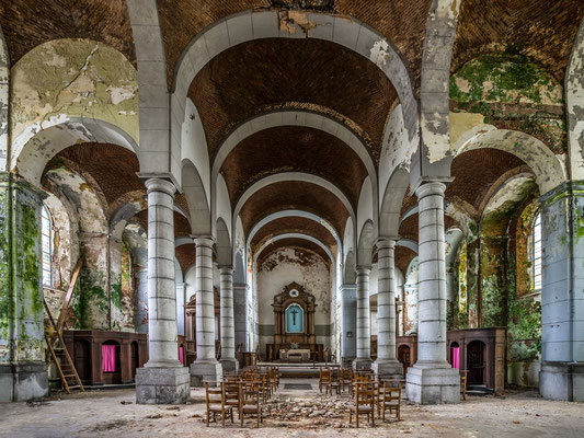 Church of decay (4x3)