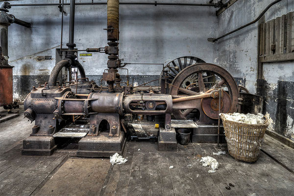 Flywheel machine
