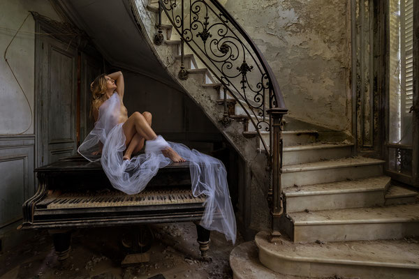 Waiting for you to come down (Chateau Verdure)