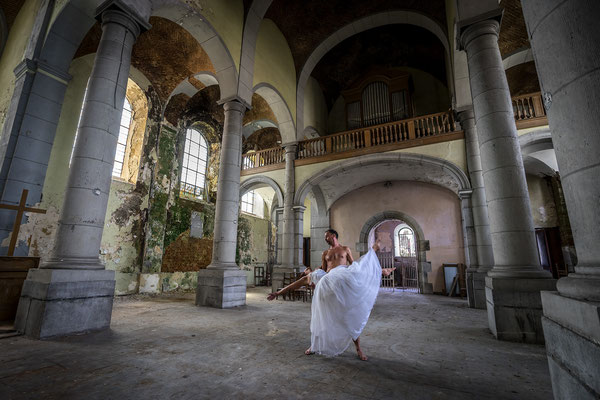 Surrender of the bride (Church of decay)