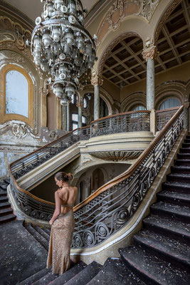 Between steps (Casino Constanta)