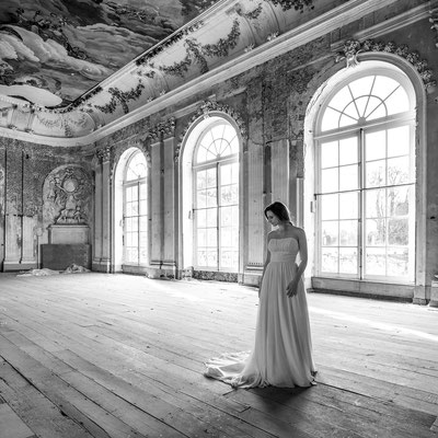Girl in white dress (Schloss Glück)