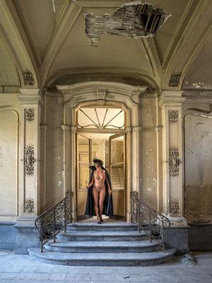 The hostess (Chateau Venetia)