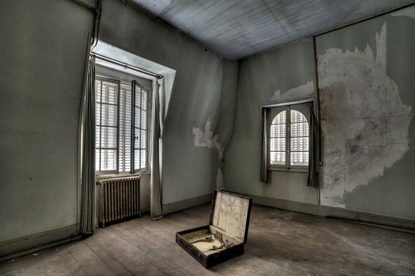 Only emptiness remains (Chateau Faisans)