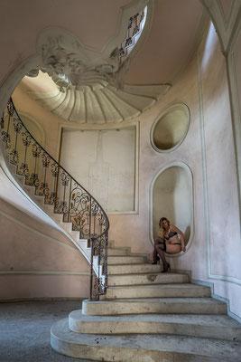 Spiraling stairs (Palazzo L) te zien bij HAG