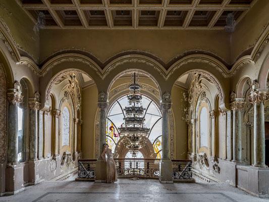 Solid column (Casino Constanta)