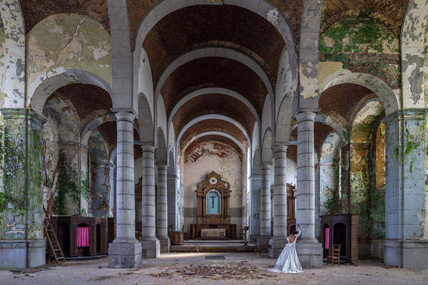 Return of the bride (Church of decay)
