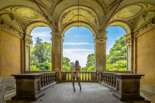 Step outside (Palazzo L)