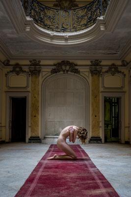 Unbearable pain (Chateau Lumiere)
