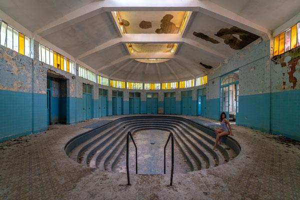 Abandoned (Les Thermes Bleus)