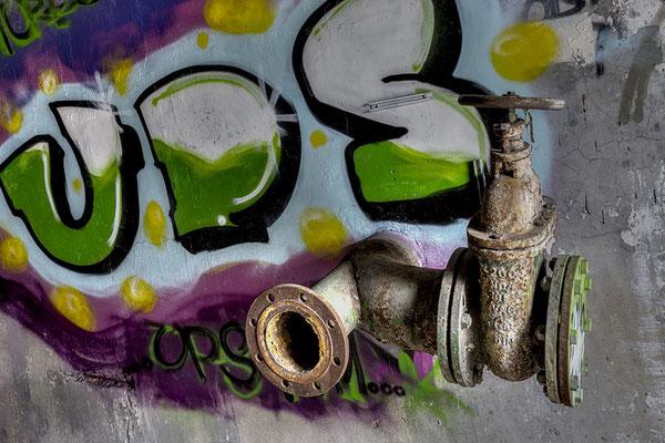 Need of paint (Papierfabrik Hermes)