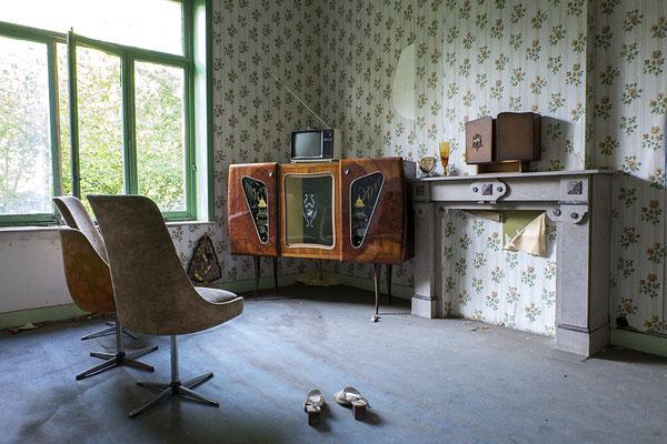 TV room (Villa Manoir de Chapelle)