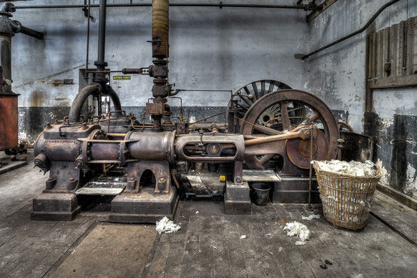 Flywheel machine (Usine S)