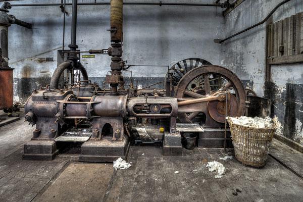 Flywheel machine (Usine S)