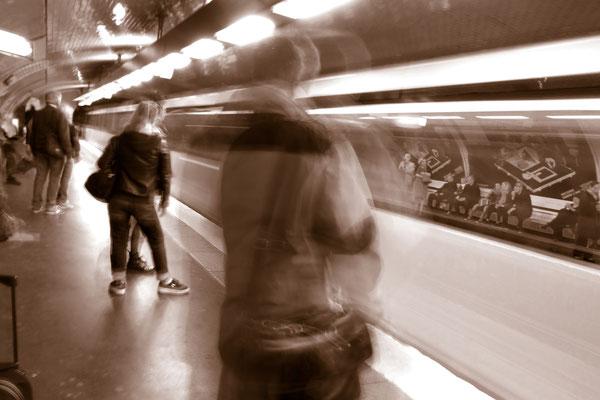 Metro Rue des Boulets