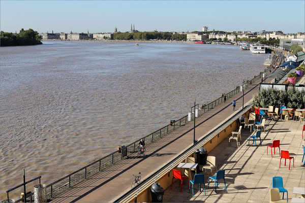La Garonne - quai de Bacalan, Bordeaux, France