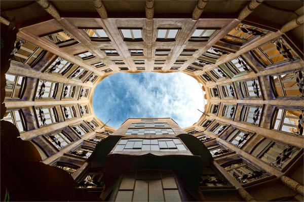 Casa Milà (cour intérieure), Barcelone, Espagne