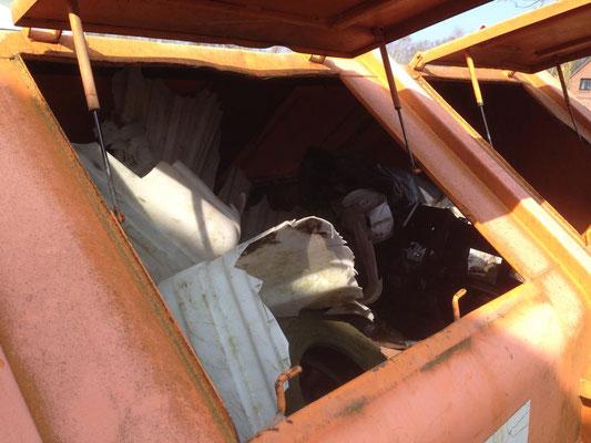 Die Müllcontainer waren bis zum Schluß randvoll