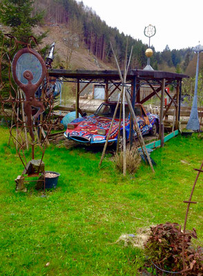 Kunstversuche auf dem Campingplatz.