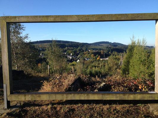 Nicht an Halloween: zwischen dem Kyrill-Tor und der Hiebammenhütte bzw. im Berg daneben I.