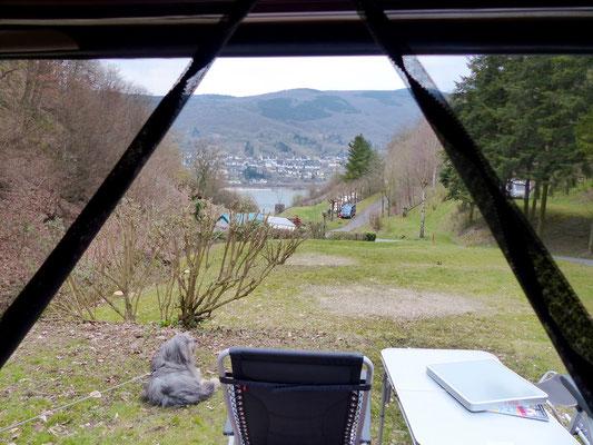 Und zurück mit bestem Blick aus dem Bus in das Tal.