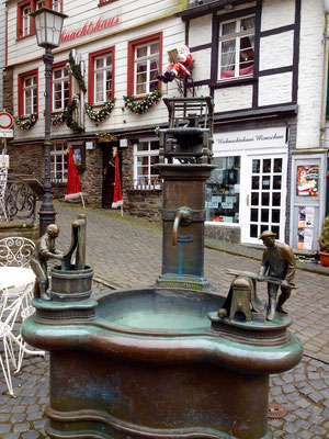 In Monschau, III.