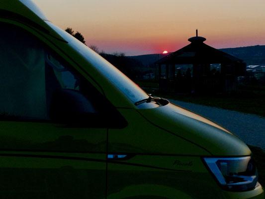 Schönes Abendpanorama mit neuem T6 auf der Schwäbischen Alb.