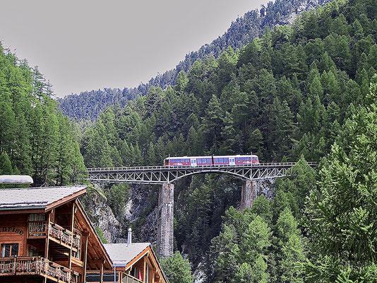 In Zermatt. Fahrt hoch auf den Gornergrat-Gletscher.